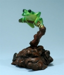 Green Tree Frog Sculpture